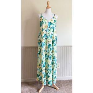 Izzy & Lola Dorado Tropical Print Maxi Dress